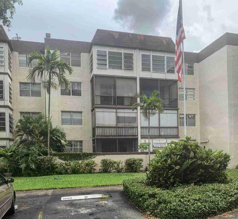 1681 NW 70th Ave APT 320 Plantation, FL